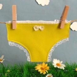 Porte monnaie petite culotte jaune